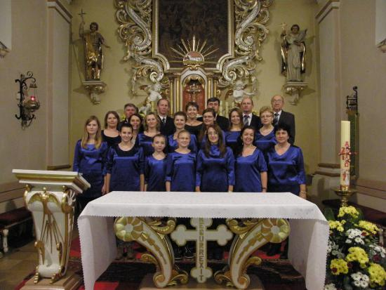 11.Brosci Chorus.jpeg